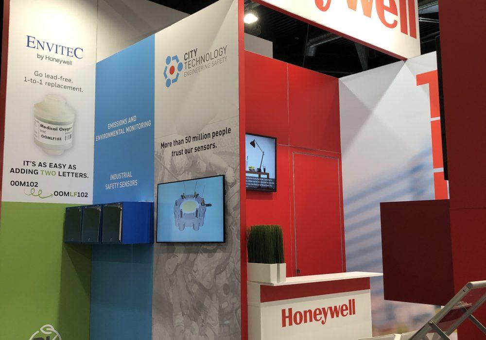 Kamrad - Stand Honeywell la Expo Sensor+Test
